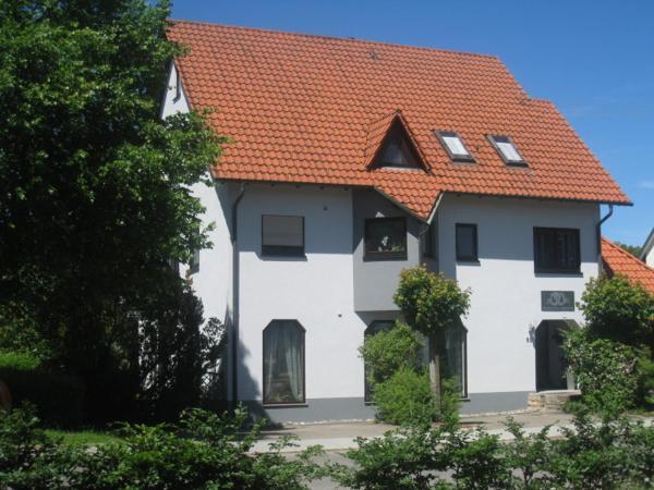 Hotel Pictures: Ferienwohnung Brigitta, Hülben