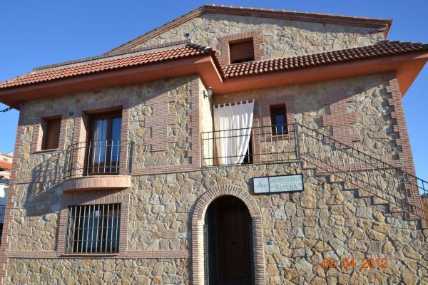 Hotel Pictures: , Torrejón el Rubio