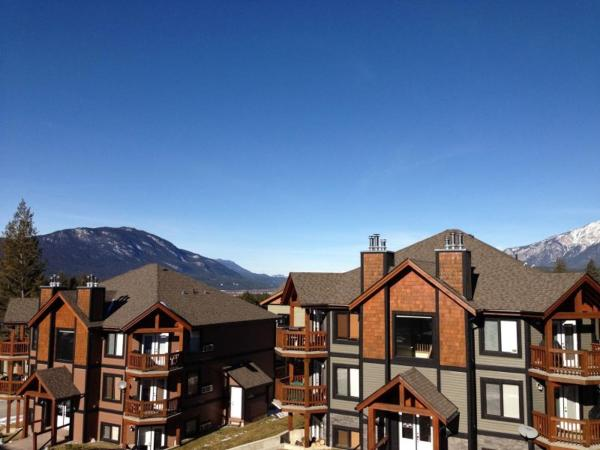 Hotel Pictures: Copper Horn Town Homes, Radium Hot Springs