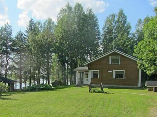 Hotel Pictures: Holiday Home Haapala, Karjalaisenniemi