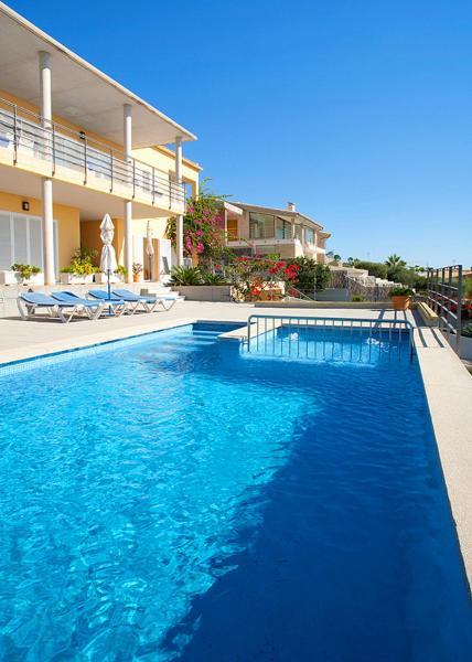 Hotel Pictures: Blau de Blaus, Alcanada
