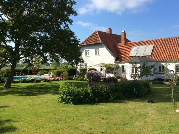 Hotel Pictures: Marielyst Bed and Breakfast, Næstved