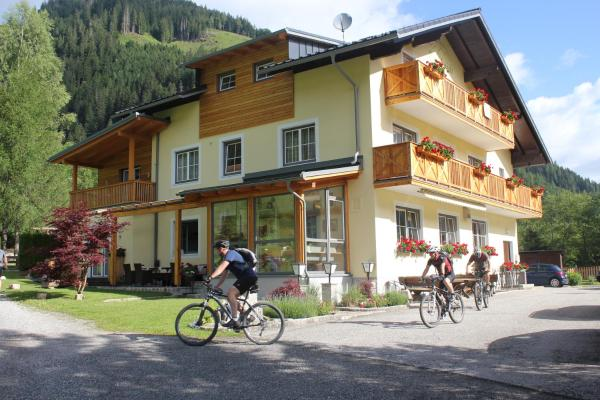 ホテル写真: Familien & Wander-Pension Purkhardt, Donnersbachwald