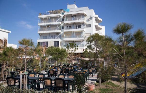 Фотографии отеля: Penthouse Golem, Голем