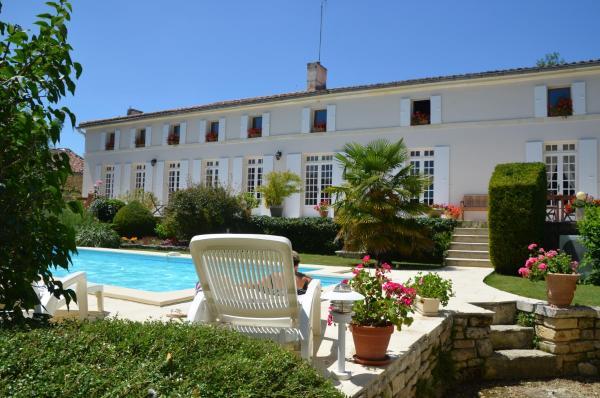 Hotel Pictures: Au Moulin Brun, Saint-Hilaire-de-Villefranche