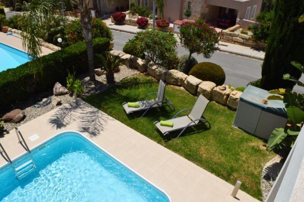 Hotel Pictures: Tala Villa 8, Moronero