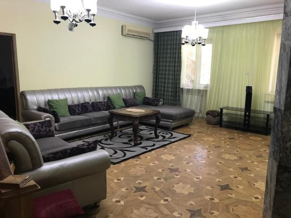 Фотографии отеля: Yeravan 1st Street Apartment, Ереван
