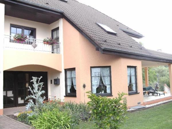 Hotelbilleder: FeWo-Dreilaendereck, Arzfeld