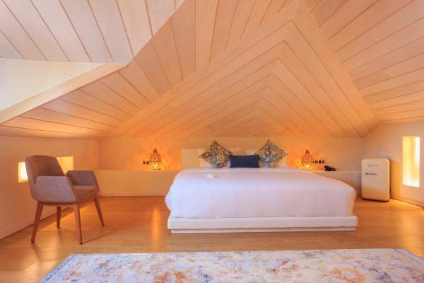 Ecclesia Penthouse Suite