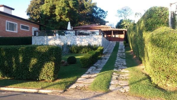 Hotel Pictures: Casa em Escarpas do Lago, Antônio Frotão