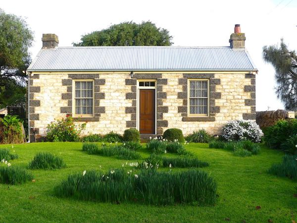 Foto Hotel: Cherry Plum Cottages, Port Fairy