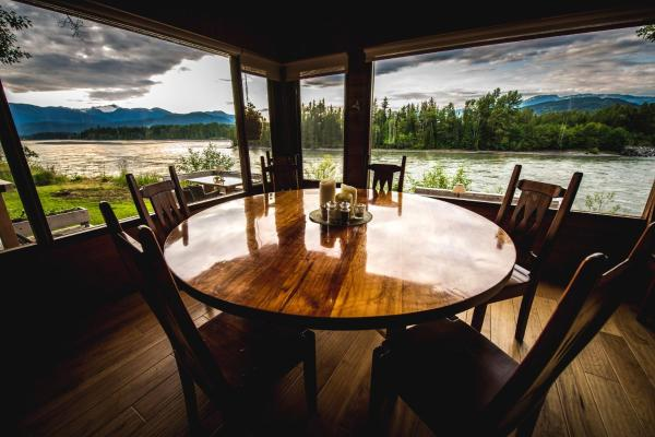 Hotel Pictures: Skeena River House Bed & Breakfast, Terrace