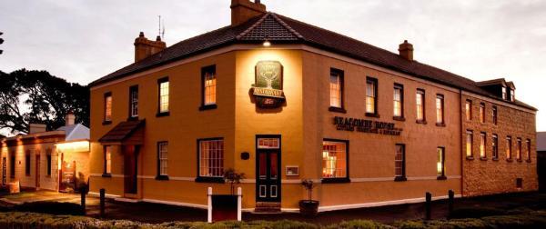 Фотографии отеля: Comfort Inn Port Fairy & Seacombe House, Port Fairy
