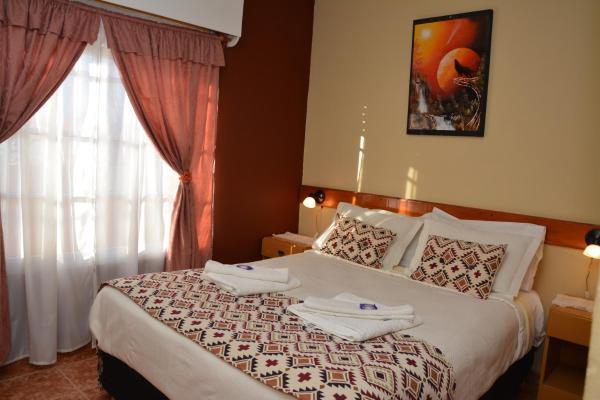 ホテル写真: Los Lirios Apartamentos, Plottier