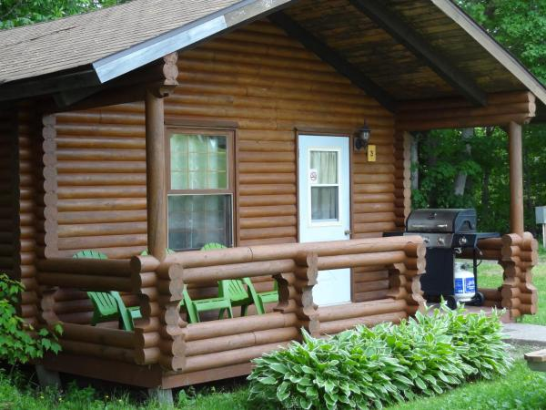 Hotel Pictures: Adventures East Cottages and Campground, Baddeck Inlet