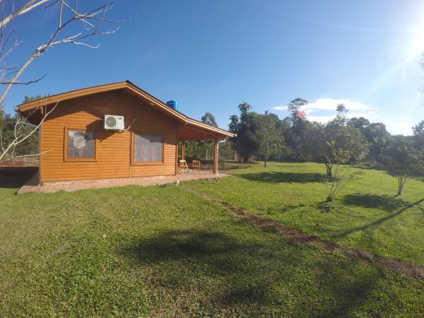 Foto Hotel: Los Lapachos Lodge, Puerto Bossetti