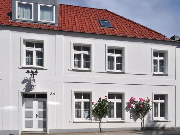 Hotel Pictures: Louise 2, Putbus
