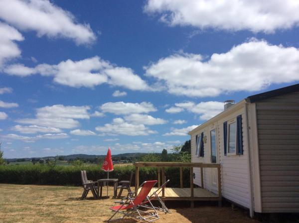 Hotel Pictures: Camping Dun-le-Palestel, Dun-le-Palestel