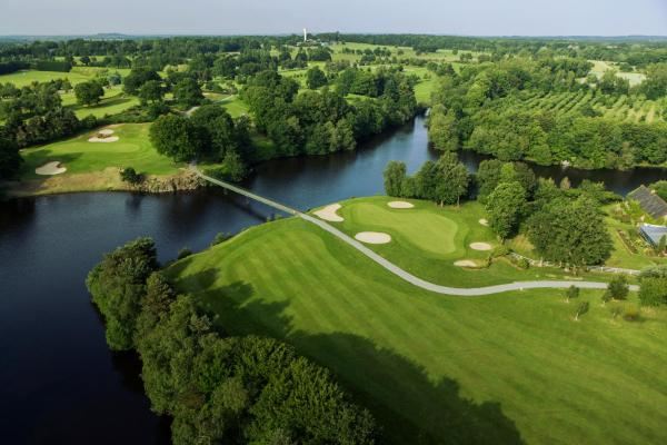 Hotel Pictures: St Malo Golf Resort, Le Tronchet