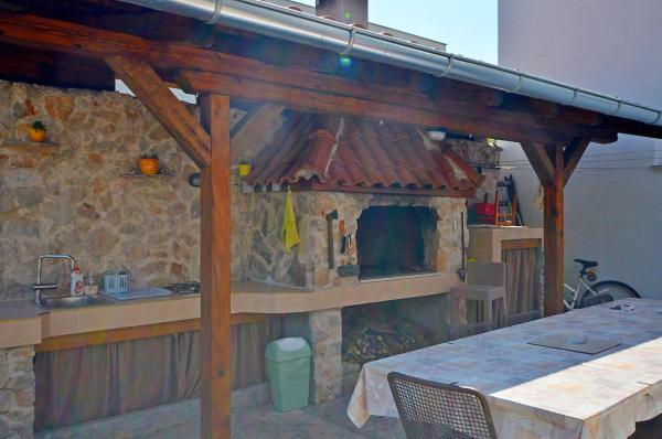 Hotellikuvia: Apartment and Room Ivica, Vodice