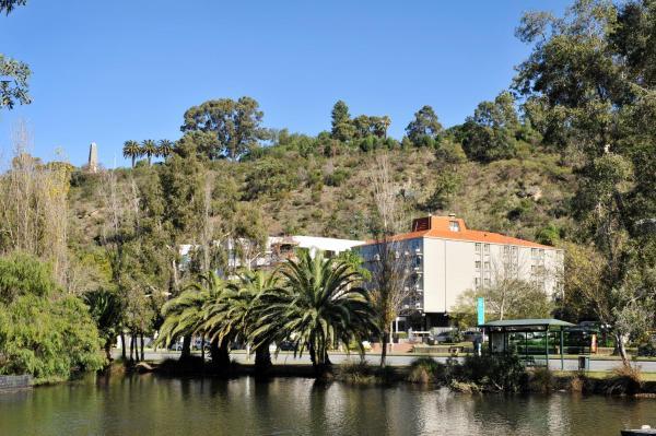 Hotel Pictures: Sullivans Hotel, Perth