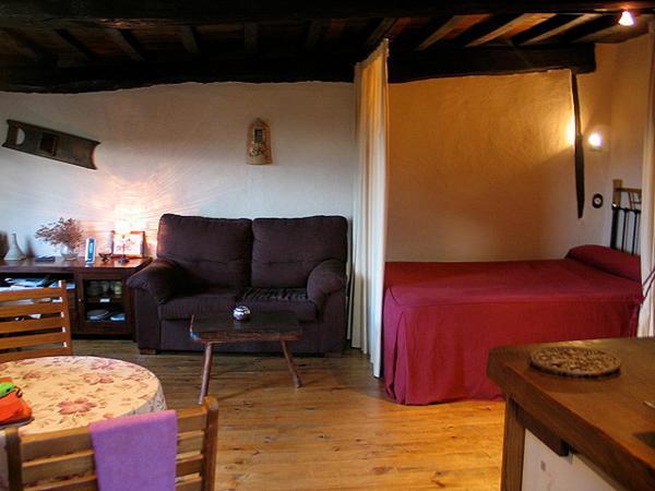 Hotel Pictures: Apartamento La Muralla, Miranda del Castañar