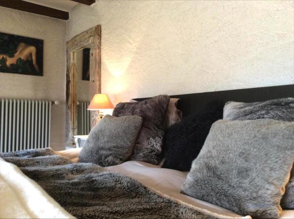 Hotel Pictures: Demeure de Charme proche Lausanne, Penthalaz