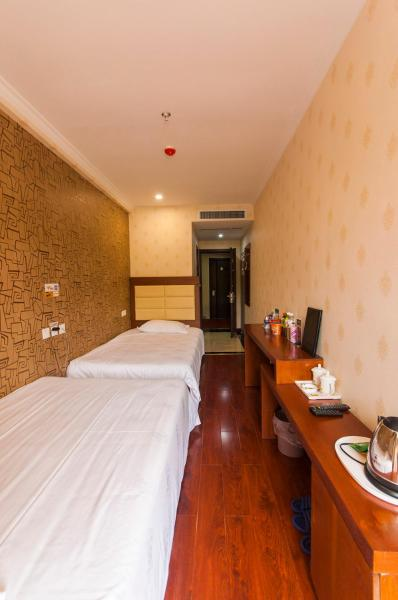 Hotel Pictures: Super 8 Zunhua Coach Station, Sujiawa