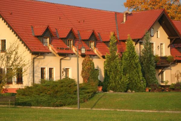 Hotel Pictures: Waldhotel Forsthaus Dröschkau, Neußen
