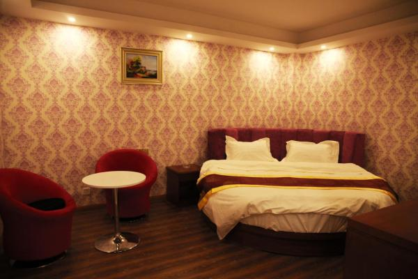 Hotel Pictures: Super 8 Yinchuan Ningdong Town City Hall, Lingwu
