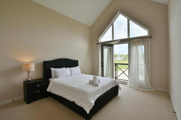 Hotel Pictures: 4 Bedroom waterfront condo, Blue Mountains
