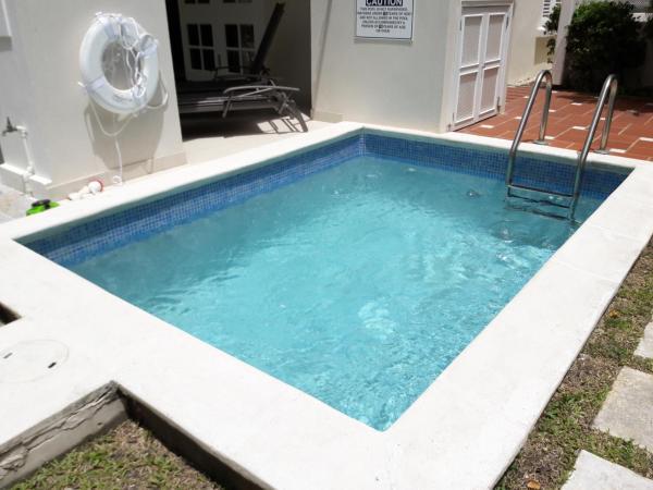 Hotel Pictures: Turtle View 3, Saint James