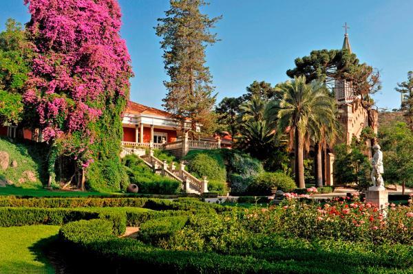 Hotel Pictures: Hotel Casa Real - Vina Santa Rita, Buin