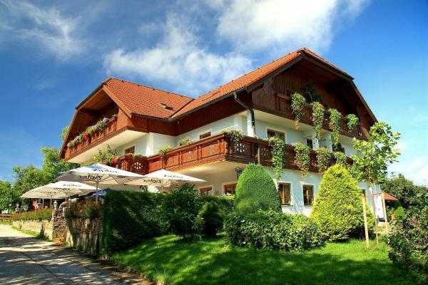 Fotos do Hotel: Landgasthof Spitzerwirt, Sankt Georgen im Attergau