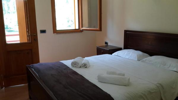 Hotelbilleder: Villa Dini, Valbonë