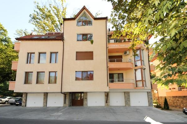 ホテル写真: CITY4US Two bedroom apartment, Polenitsa