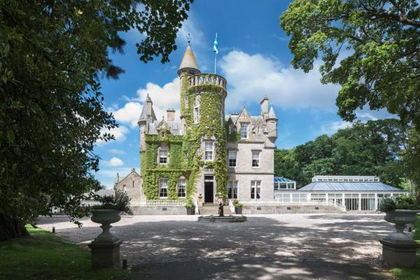 Hotel Pictures: Carlowrie Castle, Ingliston
