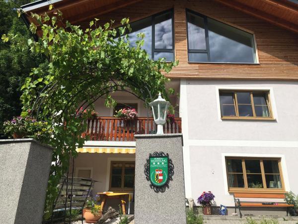 Fotos do Hotel: Ferienwohnung Oswald Fuschlsee, Hof bei Salzburg
