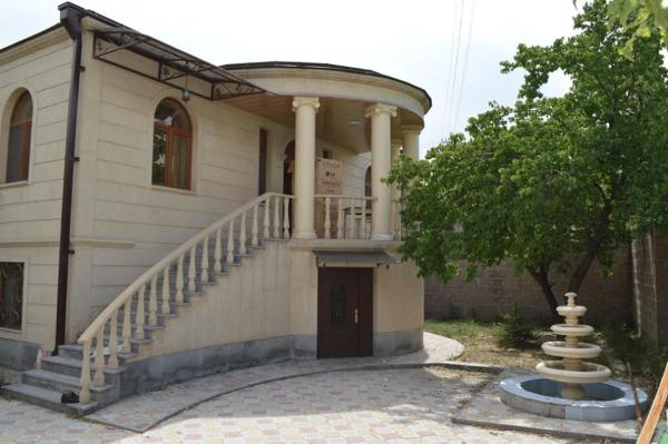 Foto Hotel: Charents Street Vacation Home, Yerevan