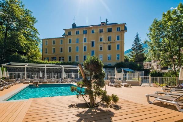 Hotel Pictures: Savoy Hotel, Brides-les-Bains