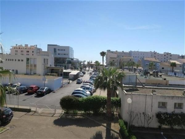 酒店图片: Apartment Studio cabine 4 couchages centre-ville a proximite de la plage, 勒格罗-迪鲁瓦