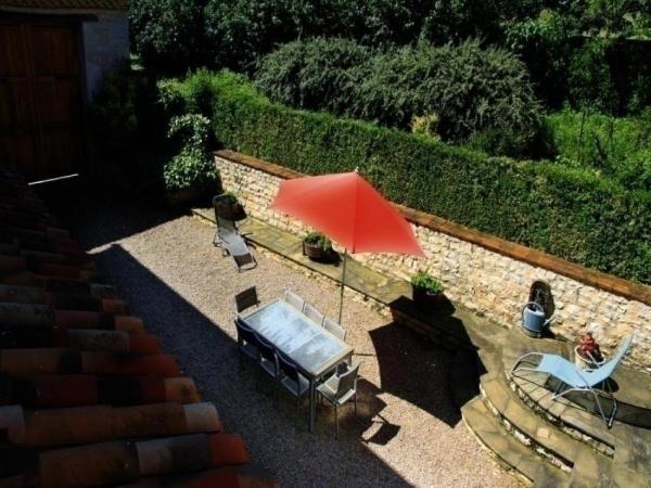 Hotel Pictures: House La falgarié, Combefa