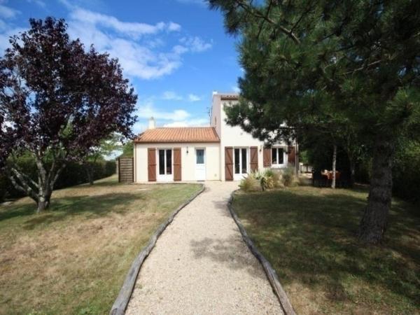 Hotel Pictures: House Les jonquilles, La Plaine-sur-Mer