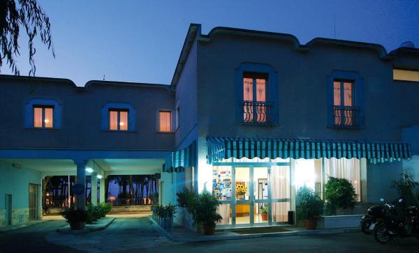 Foto Hotel: Hotel La Pineta, Tropea