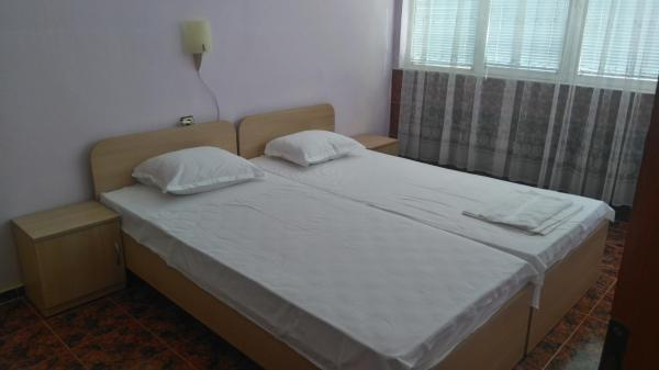 Hotel Pictures: Guest House Maystorovi, Chernomorets