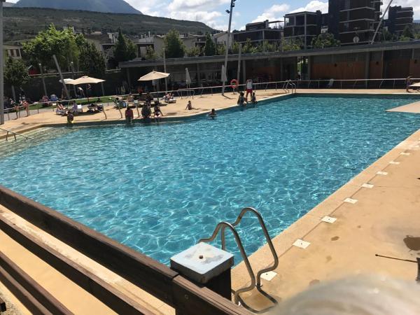 Hotel Pictures: GOLF Y NIEVE, Sabiñánigo