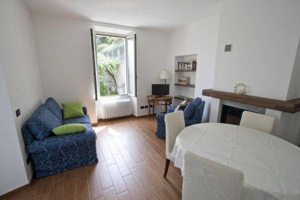 Two-Bedroom Apartment with Garden - Separate Building