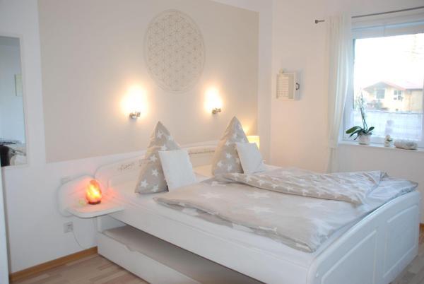 Hotelbilleder: Bergkristall-Appartement, Reußenköge