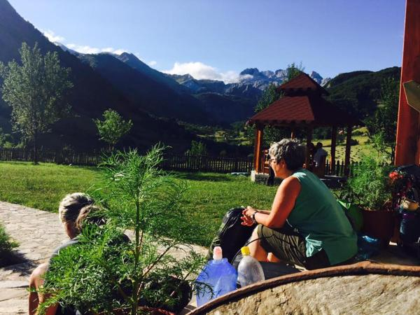 Фотографии отеля: Guesthouse Alpini, Lëpushë