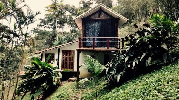 Hotel Pictures: Cabana Cipreste no Jardim, Itamonte